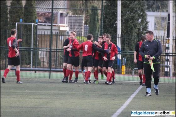 Uni vv 1 Nijmegen zoekt nieuwe voetballers