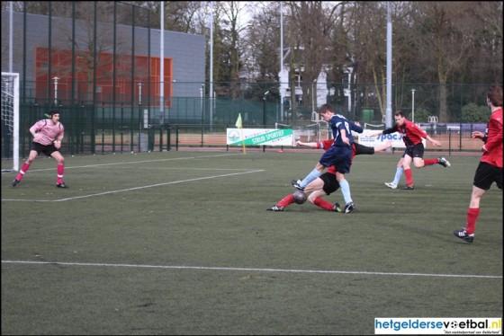 Uni vv verliest na 3-0 voorsprong…